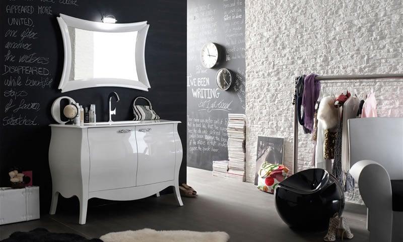 Soluzioni mobili bagno u magazzino della piastrella e del bagnou c